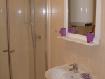 11-koupelna se sprchovacim koutem